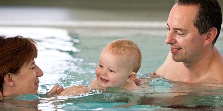 Babyschwimmen, Kurse in Winterthur und Zürich, Babywasserweekend in Lenzerheide